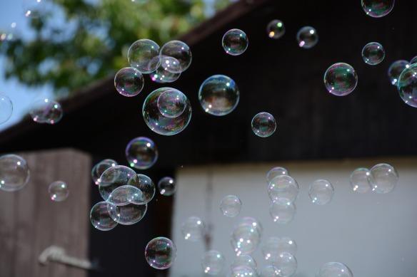 bubbles-3479366_1920